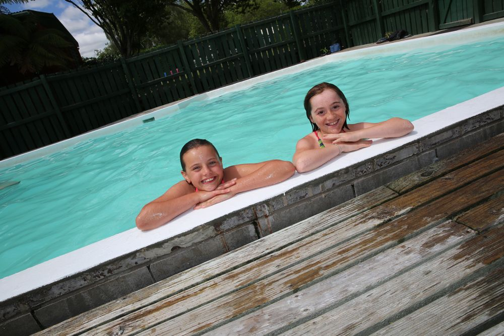 Rotorua Accommodation Gallery - Dip in the hot pools