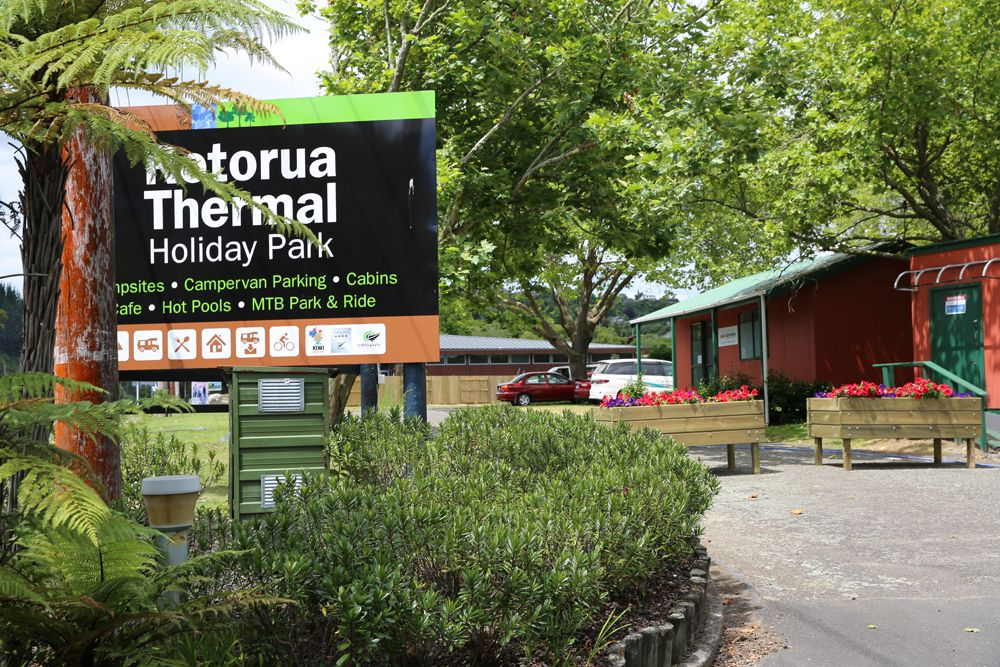Rotorua Accommodation- Entrance